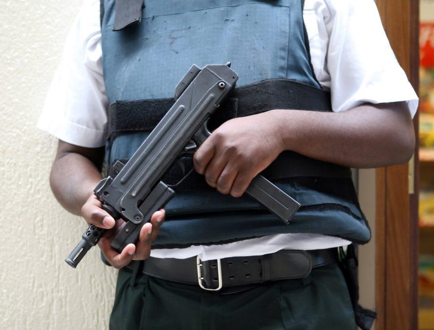 Eine Detektei oder einen Sicherheitsdienst als Security oder zum Personenschutz beauftragen